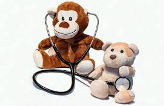 plyšáci si hrají na doktory